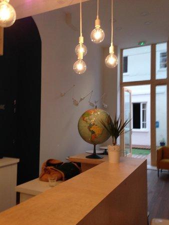 SLO Living Hostel : Reception/Foyer