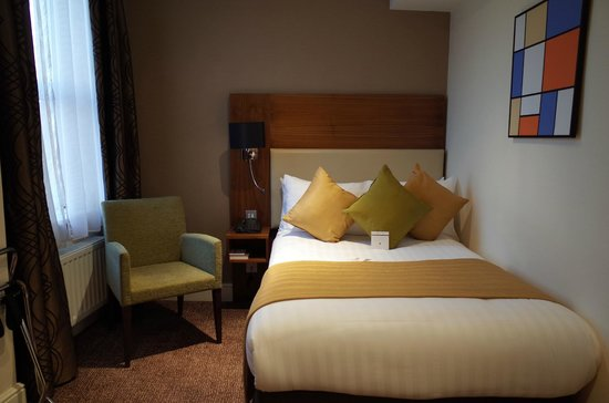 Mercure London Bloomsbury: ベッド