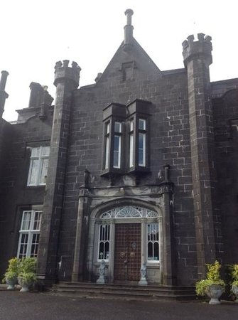 Belleek Castle: The entrance