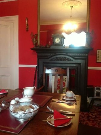 Abbey House: breakfast room