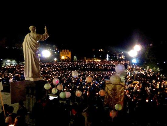 Sanctuaire Notre Dame de Lourdes : Candle procession