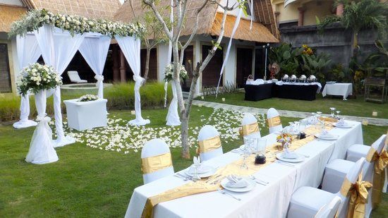 Villa Seminyak Estate & Spa : Wedding set up in the Executive Villa garden
