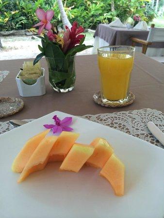 Playa Koralia: Parte del desayuno