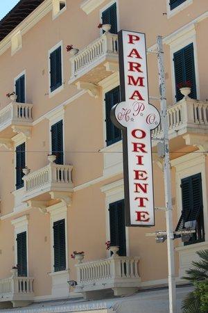Hotel Parma e Oriente: Hotel sign