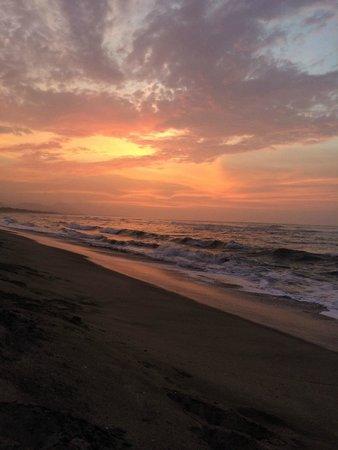 Playa Koralia: Atardecer