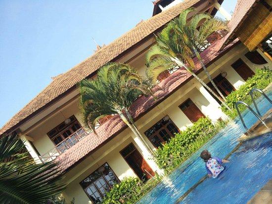 Villa Jaya : Poolside looking towards the accommodation. Small boutique villa.