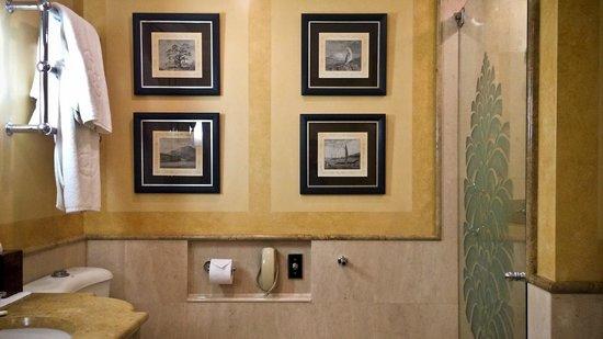 The Langham, Sydney: Langham bathroom