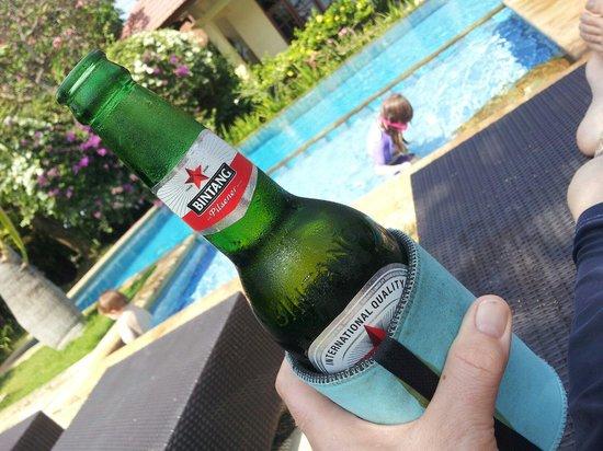 Villa Jaya : Poolside service at Vila Jaya and the kids having a swim. Win win I say.