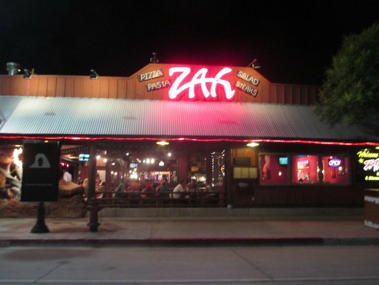 Zax Restaurant & Watering Hole: Extèrieur