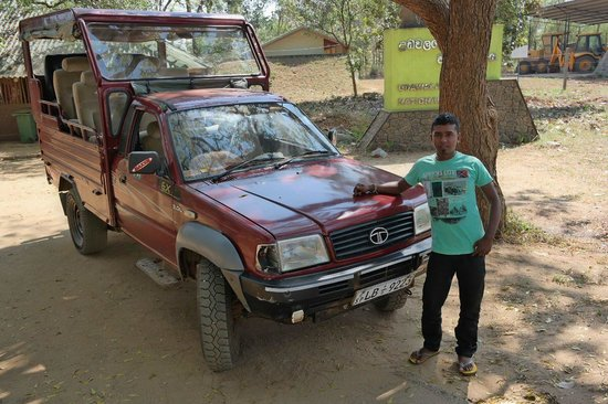 Mahoora Tented Safari Camp - Udawalawe: Jeep and driver