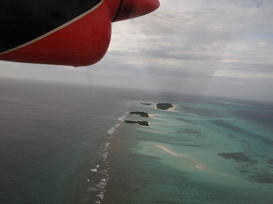 Kuredu Island Resort & Spa : Spectacular and stunning view from above in Seaplane