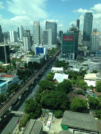 Eastin Grand Hotel Sathorn: View from 26th floor