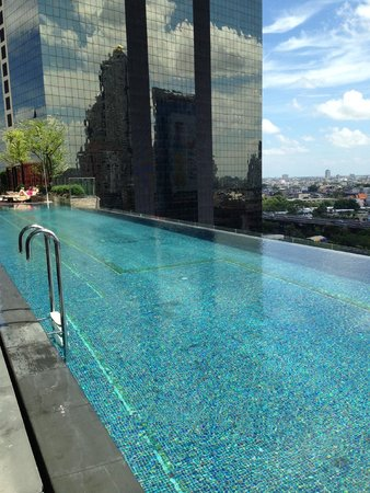 Eastin Grand Hotel Sathorn: Pool on 15th floor