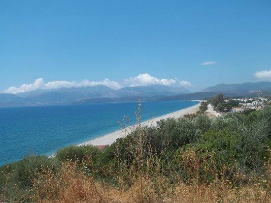 Gytheio, Greece: Βλέποντας από το Μαυροβούνι την παραλία !!!