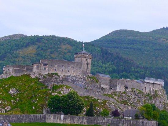 Chateau Fort de Lourdes : Chateau day time