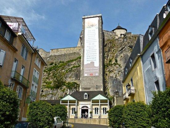 Chateau Fort de Lourdes : Lift to the Chateau Fort