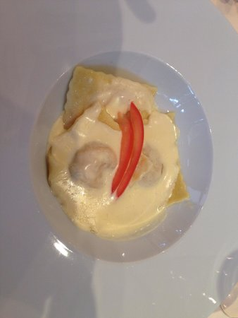 Hotel Belvedere Locarno: Primo piatto ravioli di zucca