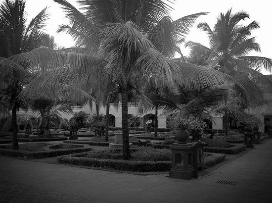 The LaLiT Golf & Spa Resort Goa: Near the Foyer