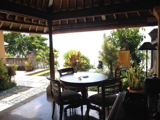 Four Seasons Resort Bali at Jimbaran Bay : perfect breakfast spot