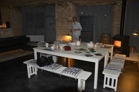 Les Troglos de Beaulieu : petits déjeuners en salle troglo