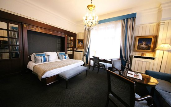 Hotel Napoleon Paris: Junior Suite Avenue