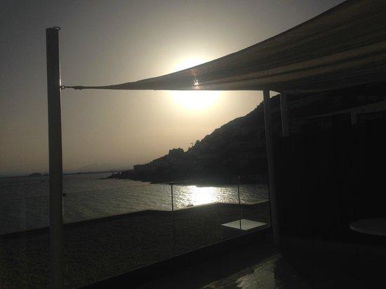 Vistabella: magnifique coucher de soleil sur la baie , vue depuis la terrasse
