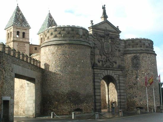 El Hostal Puerta Bisagra : Puerta bisagra