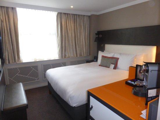 DoubleTree by Hilton London Ealing: Bedroom