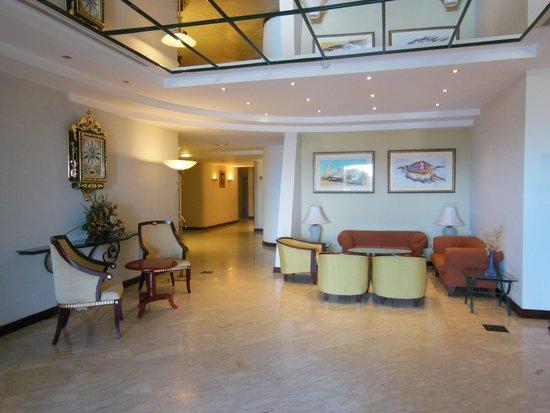 Grand Hotel Gozo: reception area