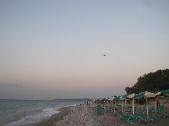 Pylea Beach Hotel: Пляж.