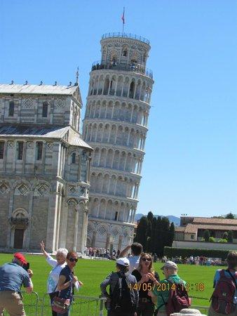 La tour de Pise (Campanile) : leaning tower of pisa