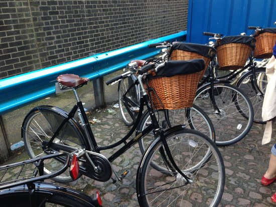 Tally Ho! Cycle Tours: Hen Party - Landmarks Tour