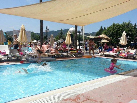 Julian Club Hotel: Kids pool