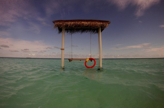 VOI Maayafushi Resort: Altalena sulla laguna