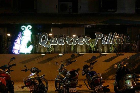 The UniContinental Hotel : Quarter Pillar (Bar) Facade