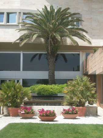 Grand Hotel Continental : exterior