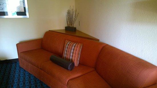 Fairfield Inn & Suites Jacksonville Airport: Living room area