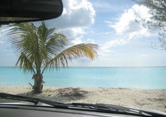 Valley Church Beach : You can park right next to the beach