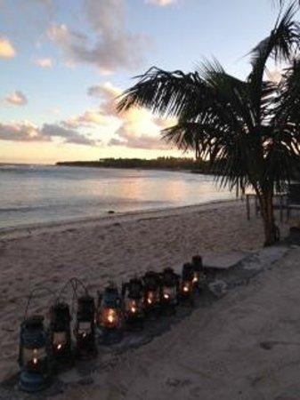 Breakas Beach Resort Vanuatu: the beach at dusk