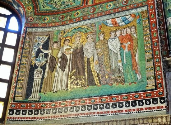 Basilica San Vitale: Mosaic of the Empress Theodora and her court