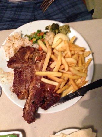 Club Alpina Apartments Hotel: T-bone steak, as big as the plate!