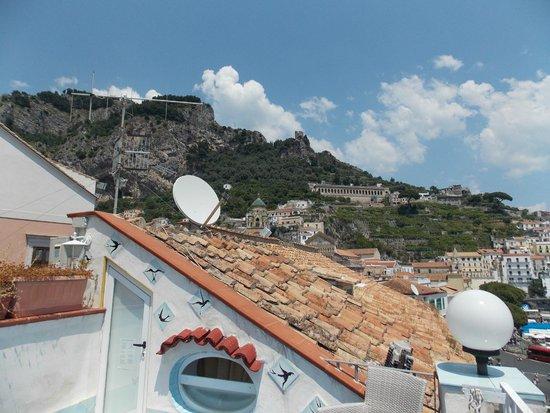 Holidays Baia D'Amalfi: Вид с верхней террасы