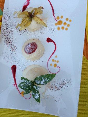 La Table du Brocanteur: Iced moussse with kirsch