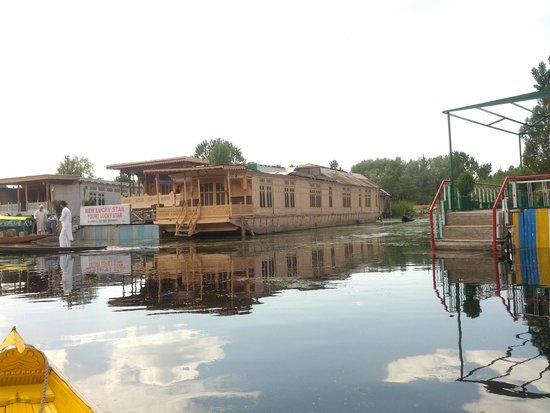 New Lucky Star Group of HouseBoats: Our house boat