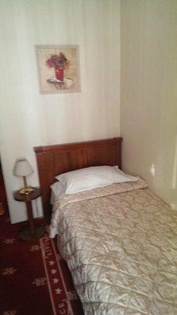 Kebur Palace Hotel: Bed