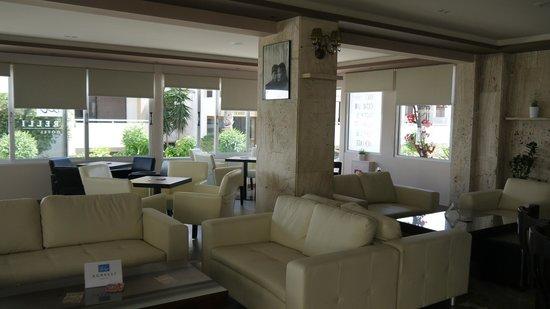 Agrelli Hotel: Breakfast area