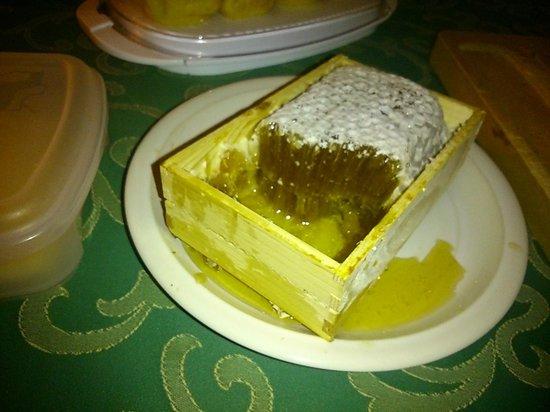 Les Airelles: Miel del desayuno