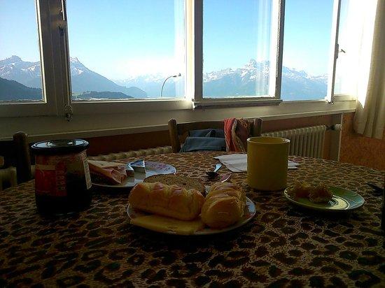 Les Airelles: vistas del lugar para desayuno