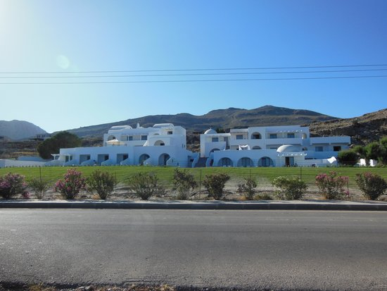 Lindos Sun Hotel : l'hotel dalla strada