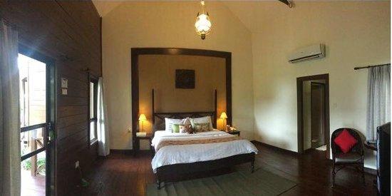 Nirwana Gardens - Mayang Sari Beach Resort : Our room